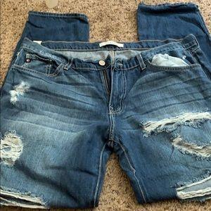 Kancan distresses boyfriend jeans